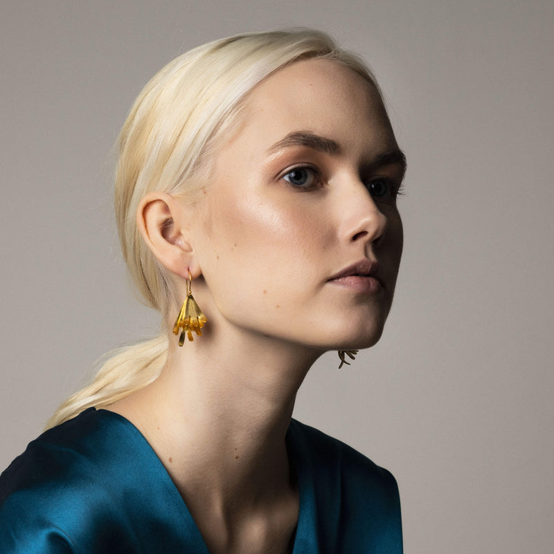 Minimalistic Irregular Abstract Statement Earrings. Modern Contemporary Geometric Architectural Earrings Design. Simple Statement Gold Earrings. Elegant Gucci Earrings. Chanel Jewelry Trend. Dior Fashion Week Milan Paris London New York. Runway Celebrity Style
