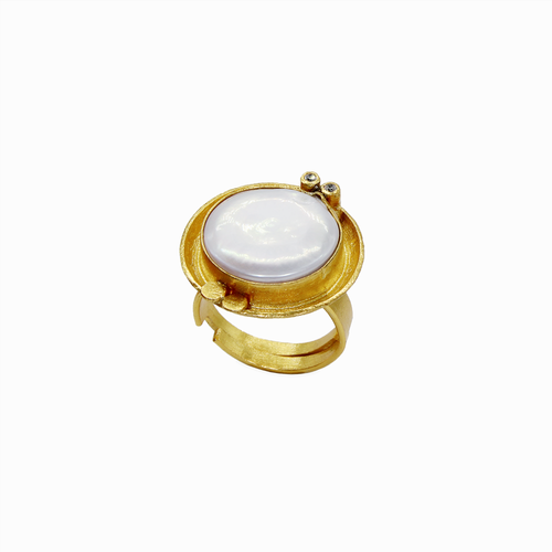 Round Mother of Pearl Statement Ring