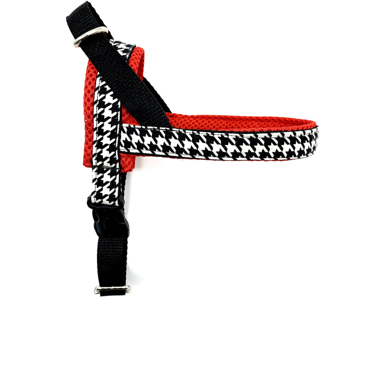 red and black and white houndstooth dog ergonomic healthy no pull easy fit harness