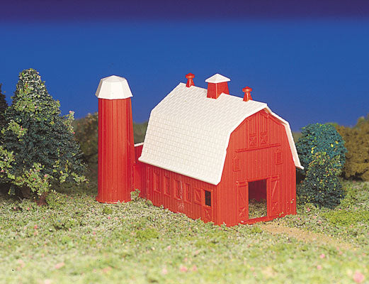 Bachmann - Plasticville Barn Kit - HO Scale (45151) - the-pennsy-station-llc