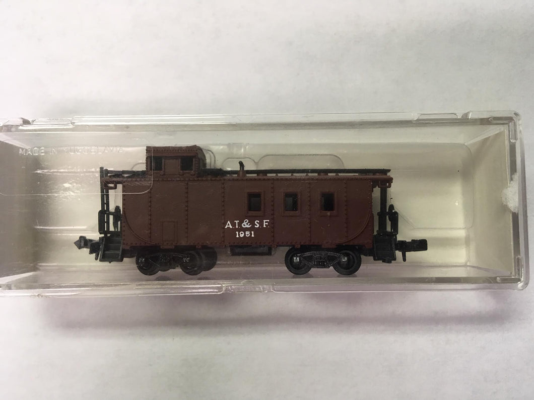 Life-Like Trains - Santa Fe Caboose #1951 - N Scale (7710) Pre-Owned - the-pennsy-station-llc