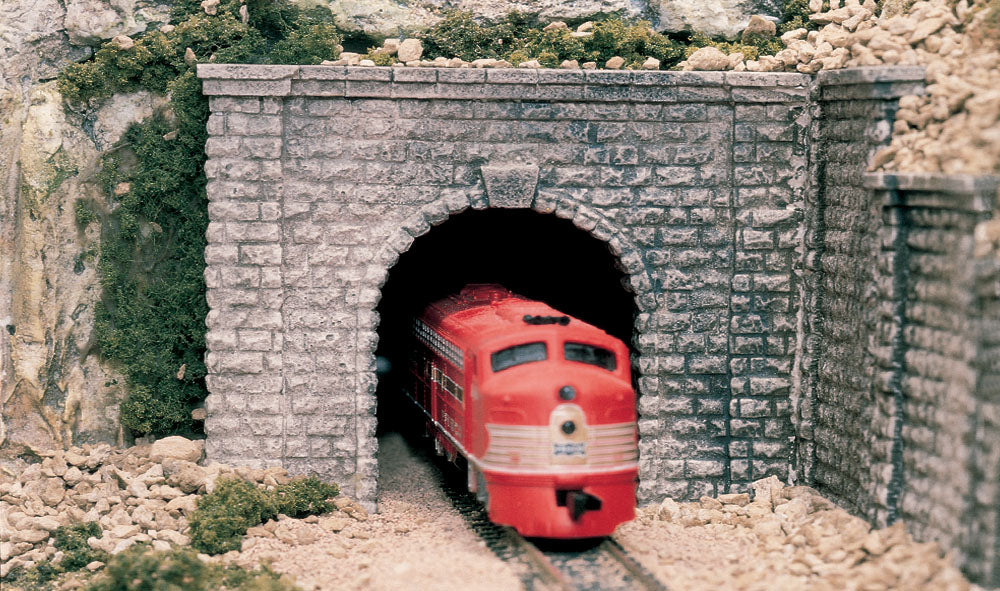 Woodland Scenics - Tunnel Portal One Cut Stone Single - O Scale (C1267) - the-pennsy-station-llc