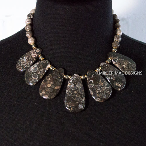 TURITELLA AGATE STATEMENT NECKLACE