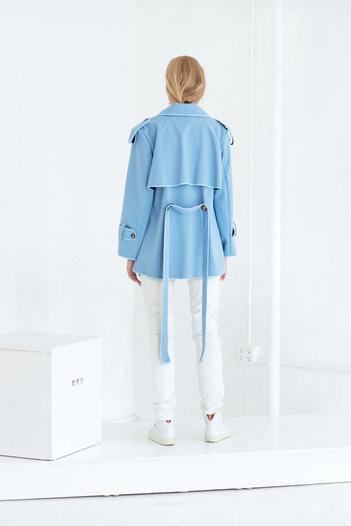 DAENERYS SHORT TRENCH COAT IN CLOUDY BLUE
