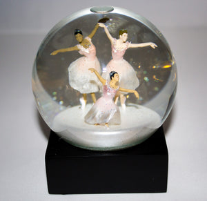 Beautiful Ballerina Globe