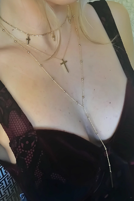 gold 'drop cross' pendant