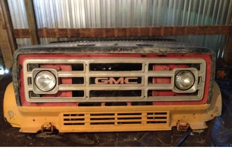 GMC Kodiak / Top Kick Older Used Hood - Big Truck Hoods