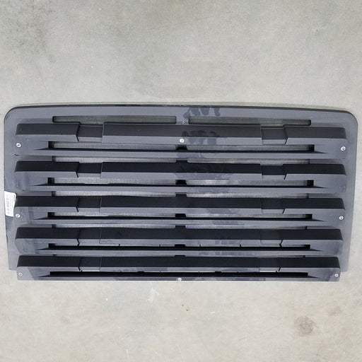 Freightliner 114SD OEM Take Off Grill 5 Louvers With Winter Front Snaps and No Chrome - Big Truck Hoods
