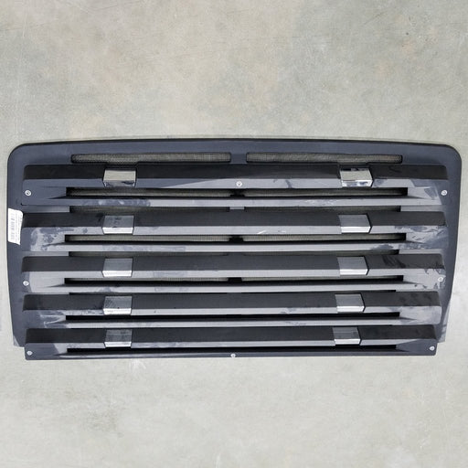 Freightliner 114SD OEM Take Off Grill 5 Louvers With Chrome and Winter Front Snaps - Big Truck Hoods