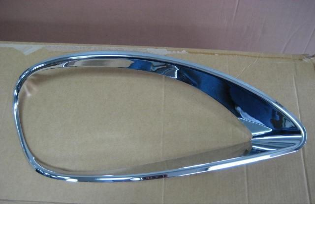 Freightliner Columbia Headlight Bezel Passenger Side - Big Truck Hoods