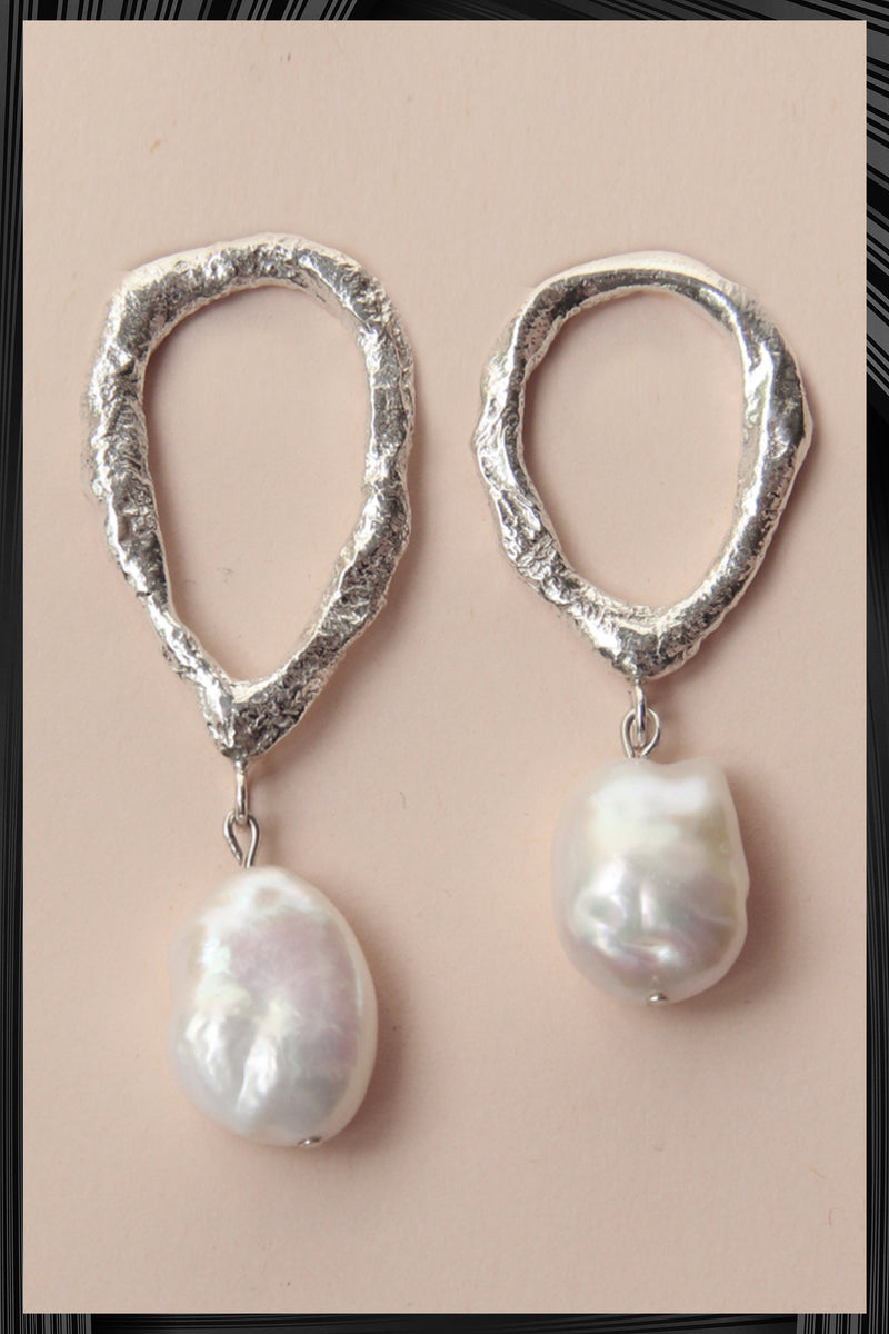 Asymmetric Drop Pearl Earrings