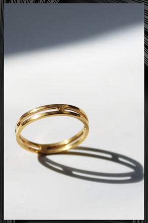 Single Not Married Golden Ring | Free Delivery - 2-3 Week Shipping