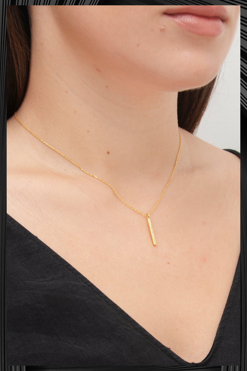 Gold Line Necklace | Free Delivery - Quick Shipping