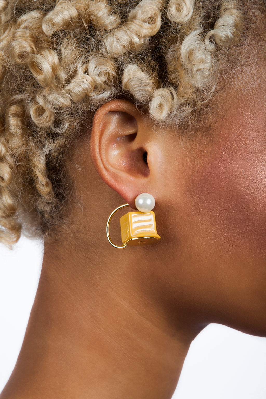 Iris Trends Caramel Candy Earrings by n2 Paris