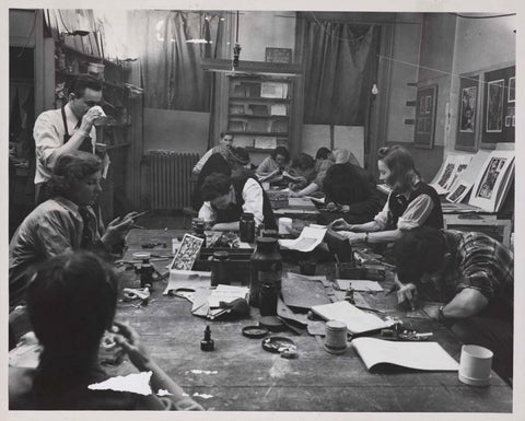 T he advanced group works together at Atlier 17 - circa 1955 - photo by Martin Harris