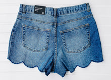 Scallop denim shorts