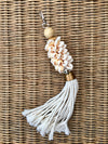 LIA CREAM SHELL TASSEL ACCESSORY
