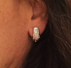 14k White Gold Diamond Earrings 1/2ctw Diamonds  Omega Back