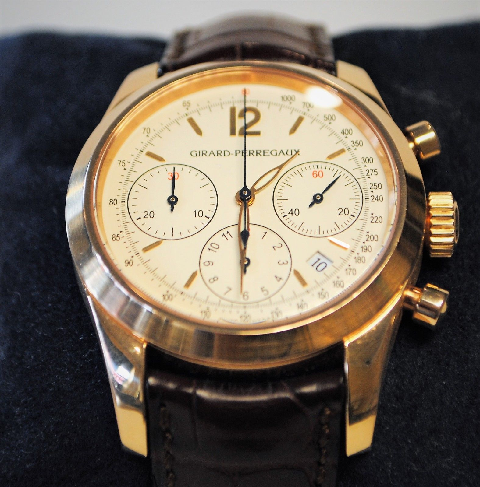 Girard Perregaux Chronograph 18k Gold 49560 Pre-Owned - Excellent