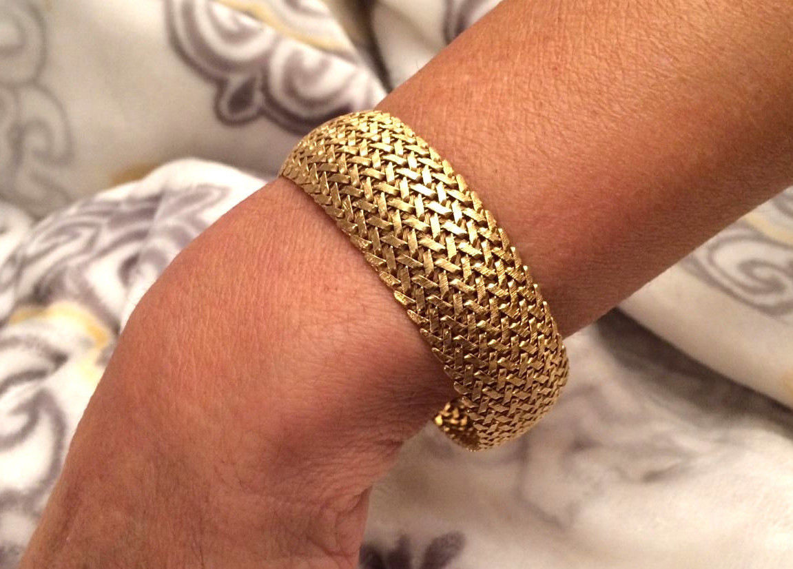 18k Solid Gold Ladies Bracelet