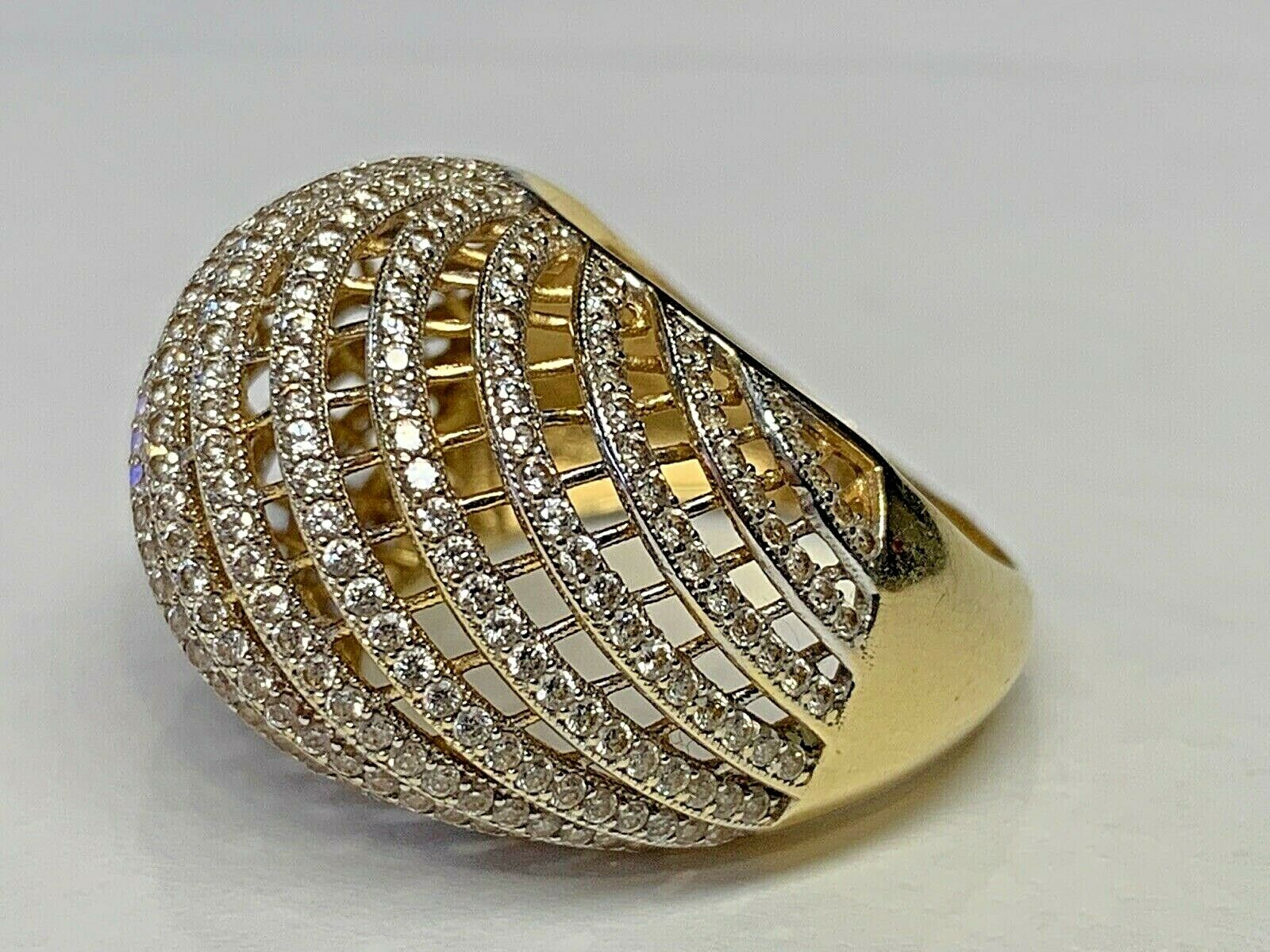 Designer 18k 750 Gold Ladies Cocktail Ring Size 8