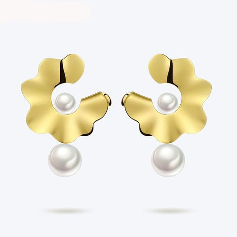 Galsang Flower Pearl Earrings