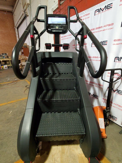 StairMaster 10G Stepmill w Capacitive 15 inch Touchscreen