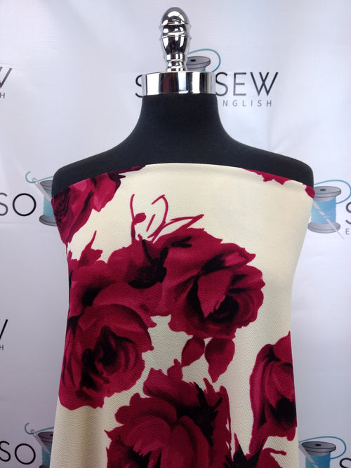 READY CUT: 3YDS cream/red roses Liverpool :RC001041