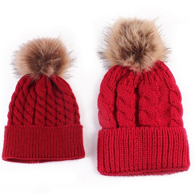 Warm Knitted Mom and Baby Pom-Pom Caps
