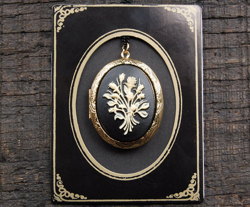 Victorian Mourning Locket Necklace with Solid Perfume
