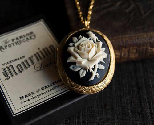Solid Perfume Floral Cameo Necklace