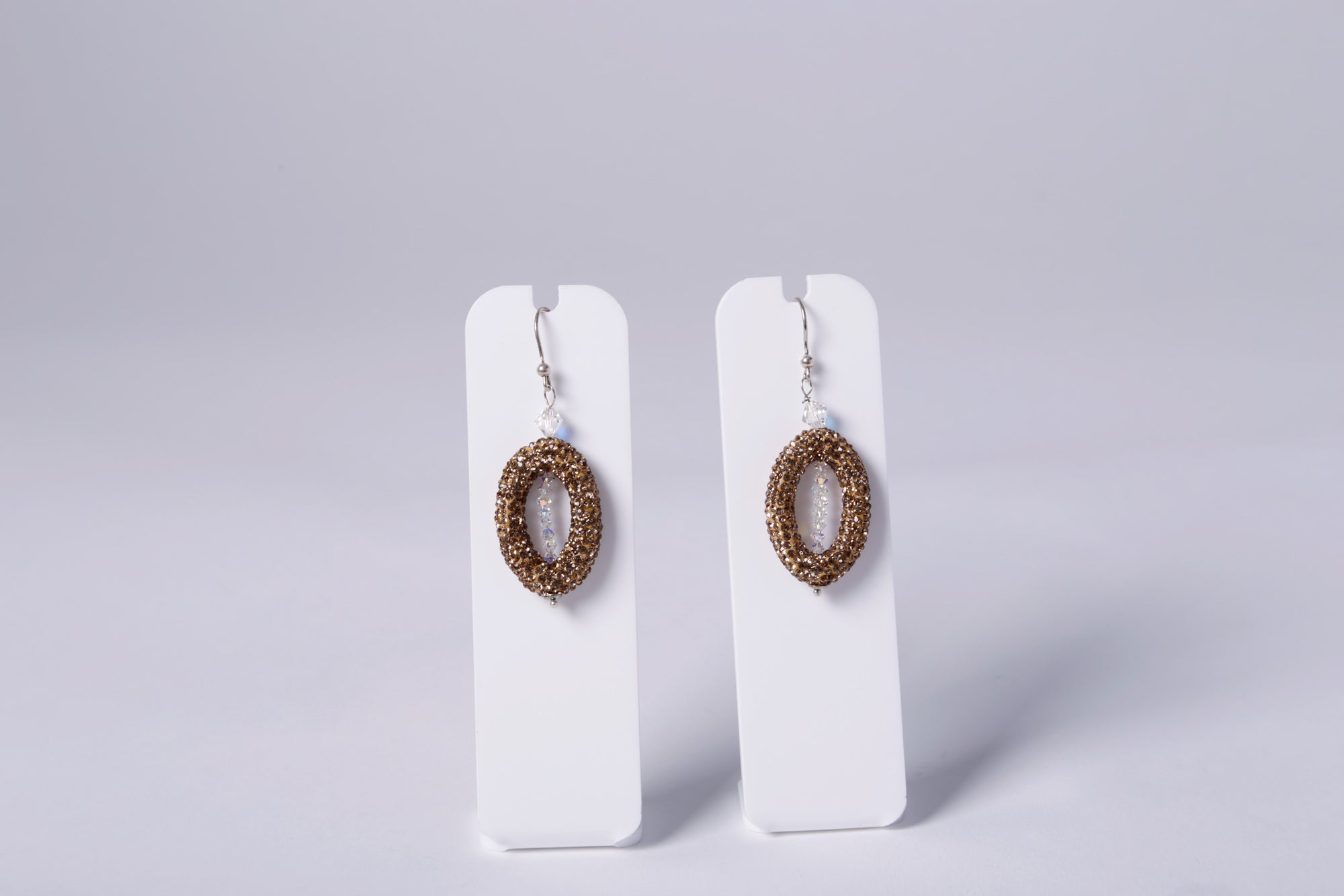 DROP EARRINGS, OVAL