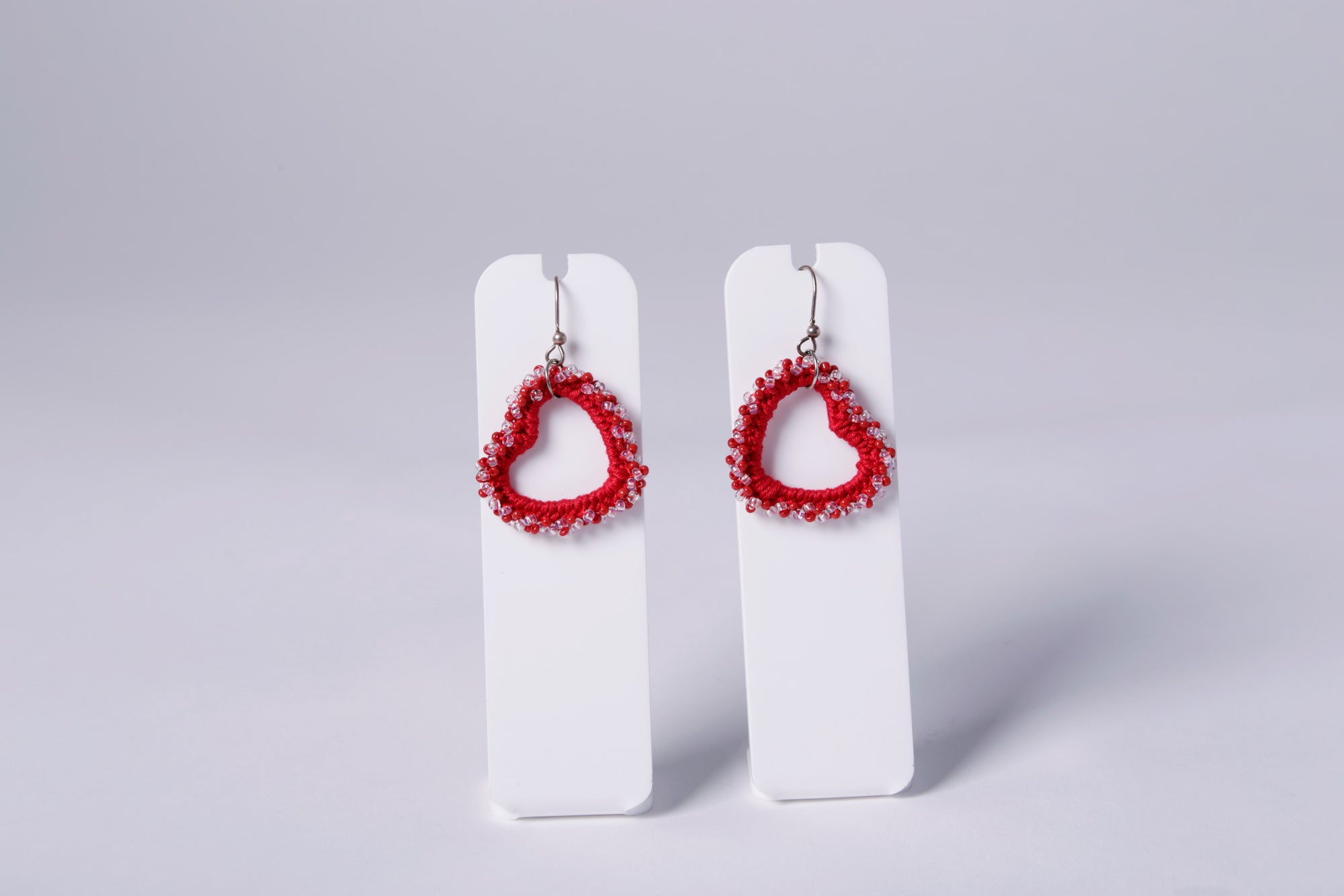 SMALL CROCHET EARRING, RED