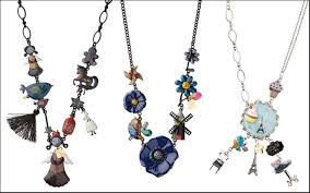 Le Carose Necklaces Fables Alice in wonderland