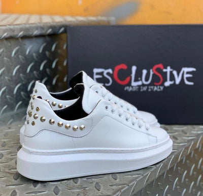 Shoes sneakers white with studs
