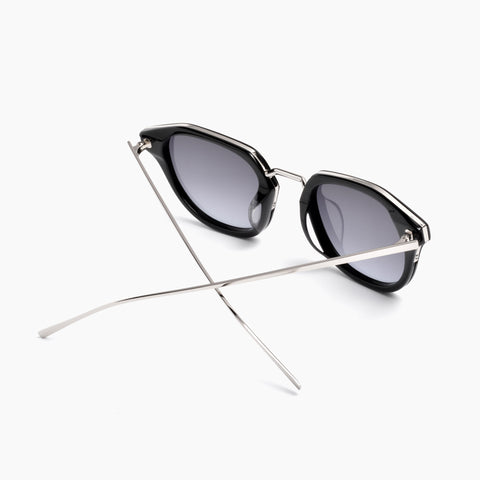 Akila Eyewear Theory Sunglasses in Black / Gradient
