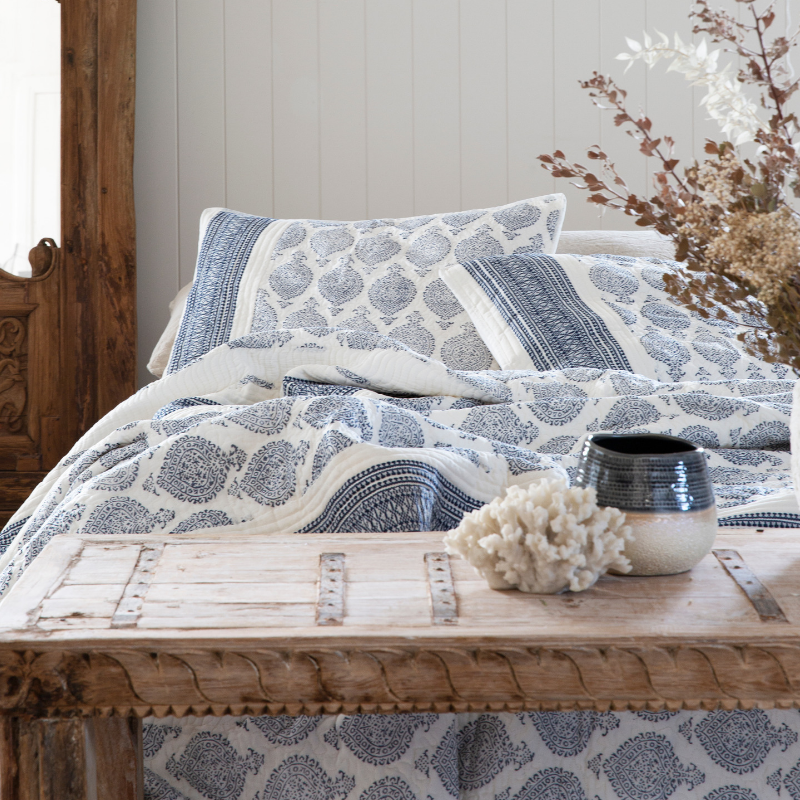 TEJAS QUILTED JACQUARD BED SET - KING PLUS