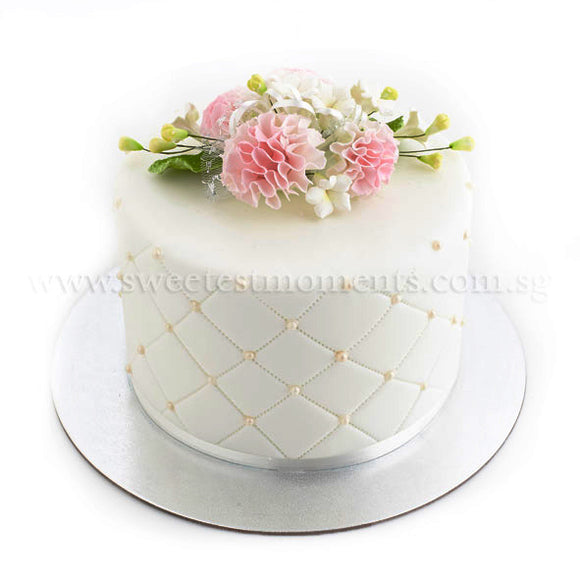 CWR09 Classic Pearl Sweetest Moments Wedding Cake Fondant