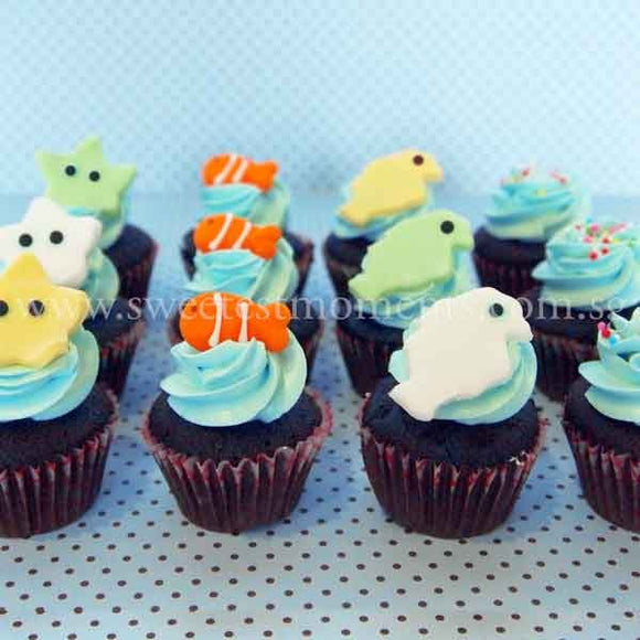 CM04 Mini Boy Sweetest Moments Full Month Mini Cupcake Buttercream Fondant