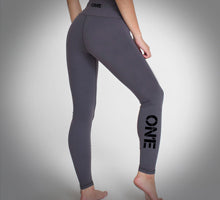 GRAY LEGGINGS.jpg
