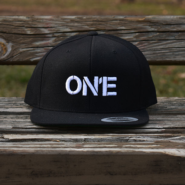 ON1E SNAPBACK (Small Logo)
