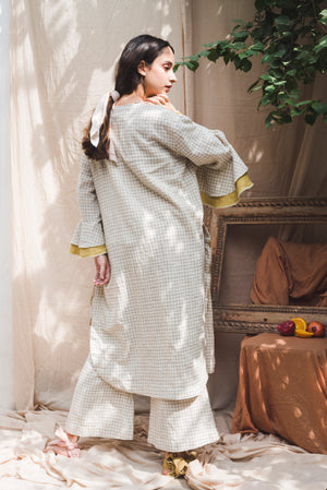 Chequered Cape - Auruhfy India
