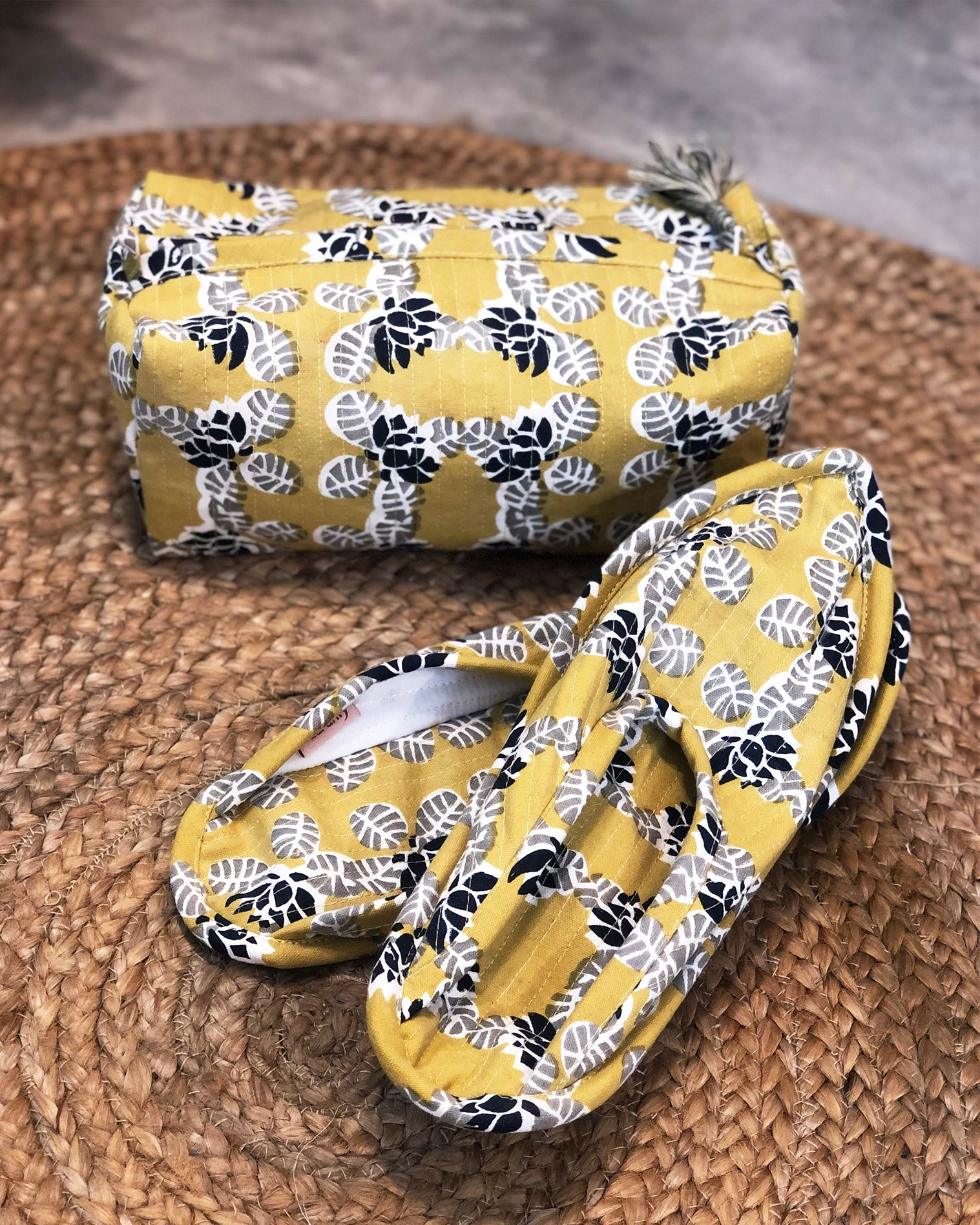 Lotus in Pond Print Travel Set (Ochre) - Auruhfy India