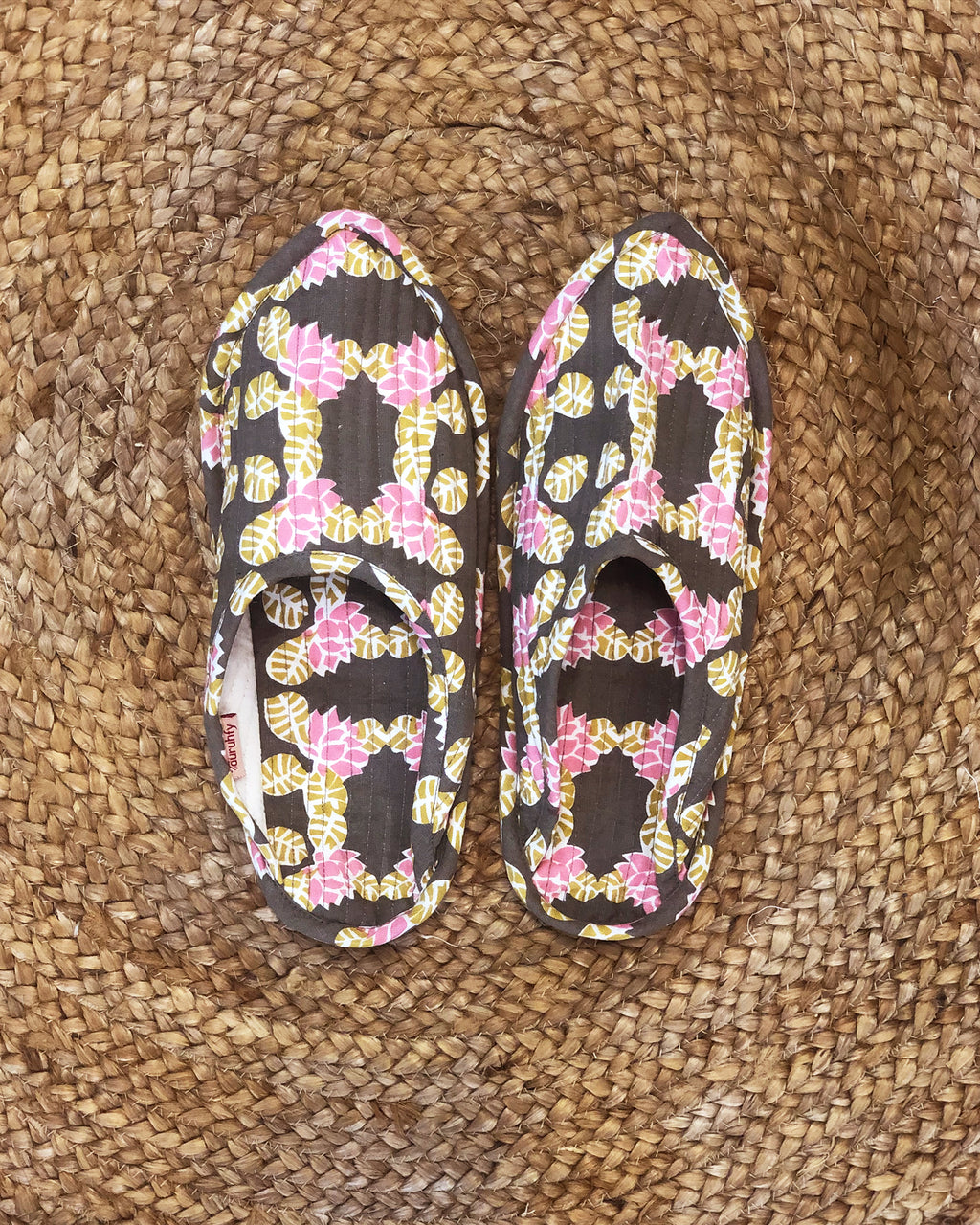 Lotus In Pond Print Indoor Slippers (Gray) - Auruhfy India