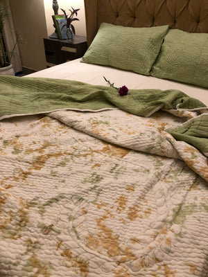 Pistachio Tie-Dye Quilted Bedding Set - Auruhfy India