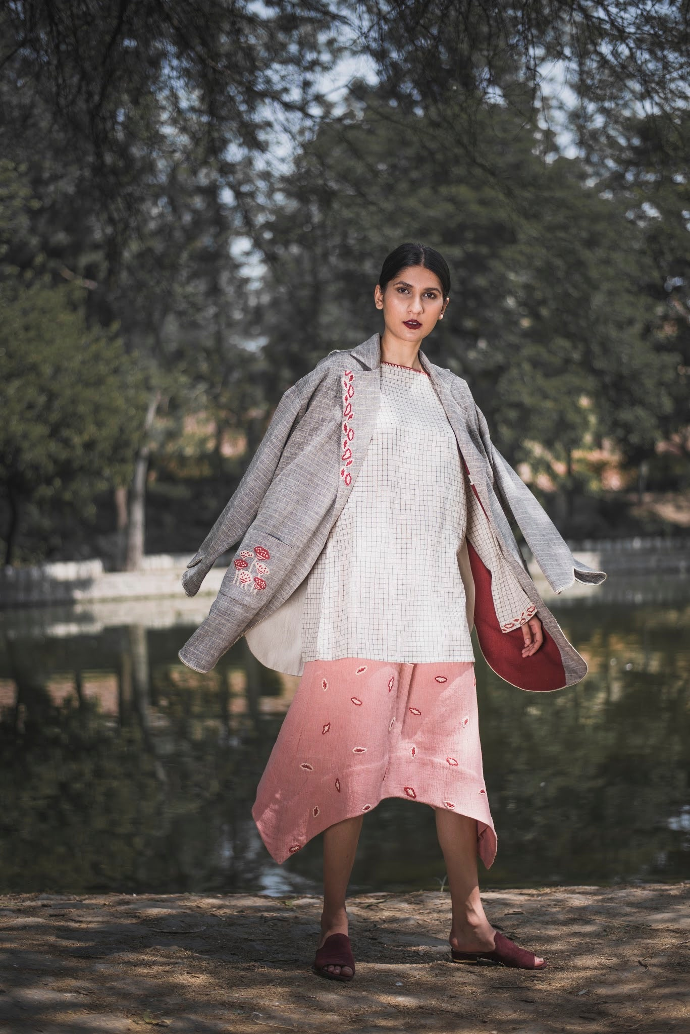Hand Embroidered Prasuna Trench Coat - Auruhfy India