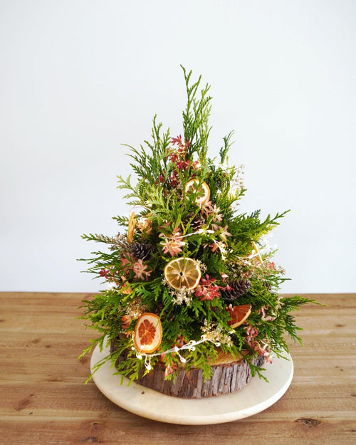 Christmas Tree Flowers Workshop - Florii Flower Studio