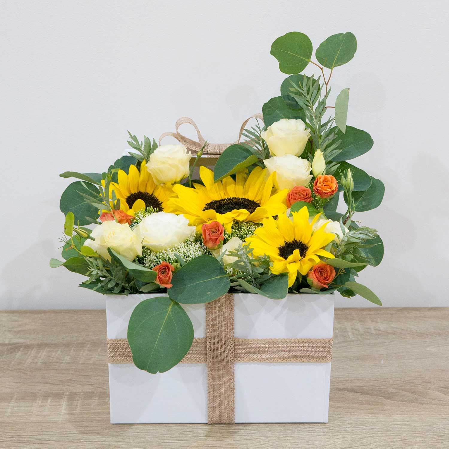 Sunflowers square box - Florii Flower Studio