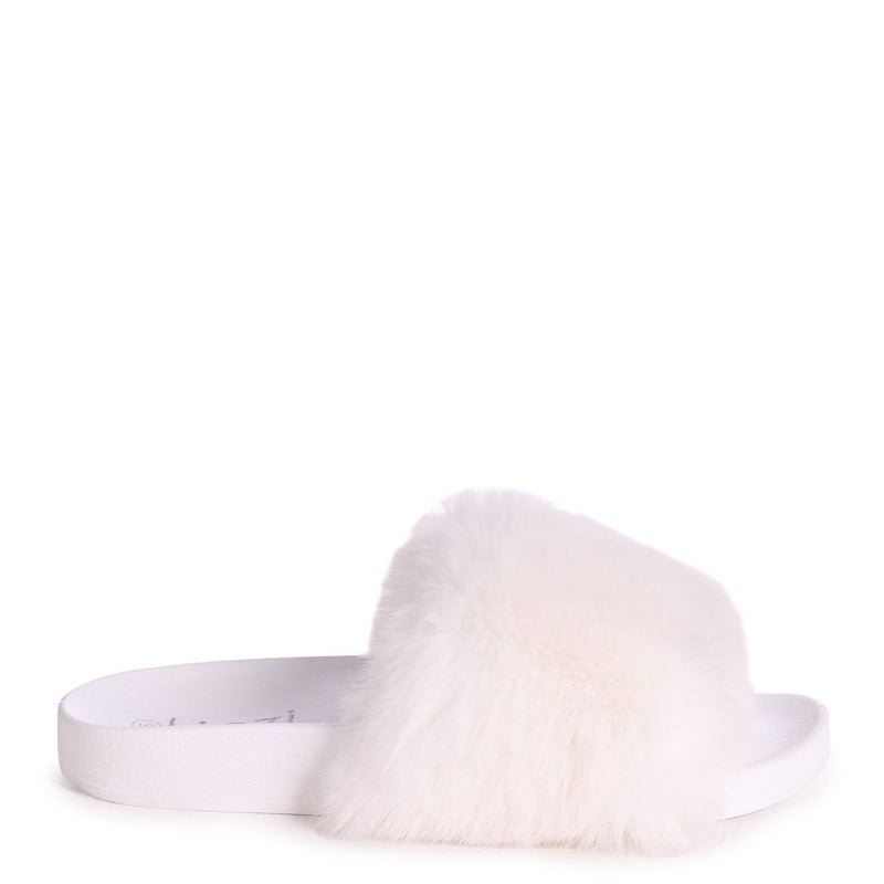 KENDALL - White Faux Fur Sliders