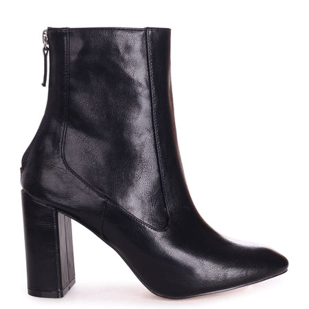 SOLO - Black Nappa Classic Chelsea Boot With Chain Detail